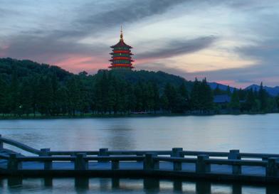杭州西湖+飞来峰灵隐寺、苏州狮子林+寒山别院二日游精品线路