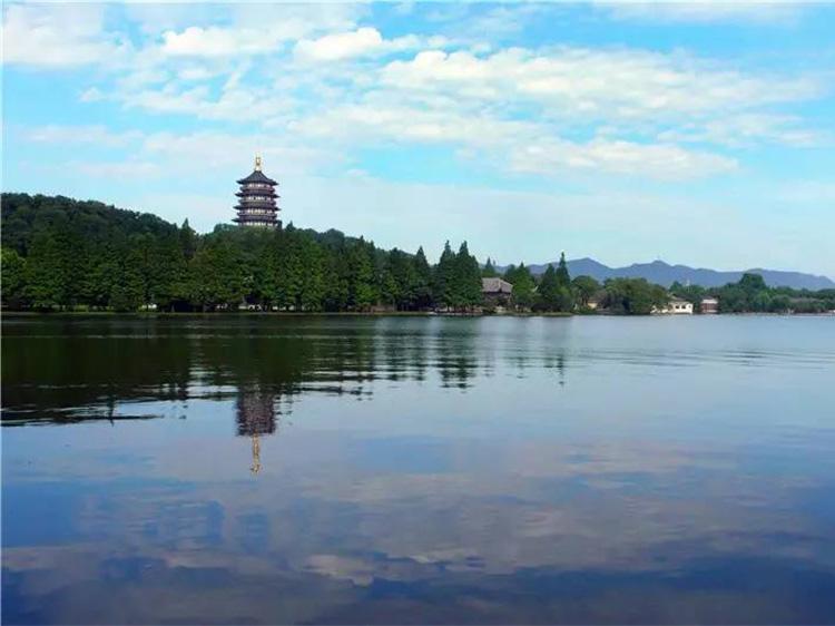 杭州西湖游船、飞来峰、乌镇古镇、苏州狮子林三日游【夏日推荐】
